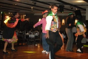 That's me, the gringa behind one of the dancers.