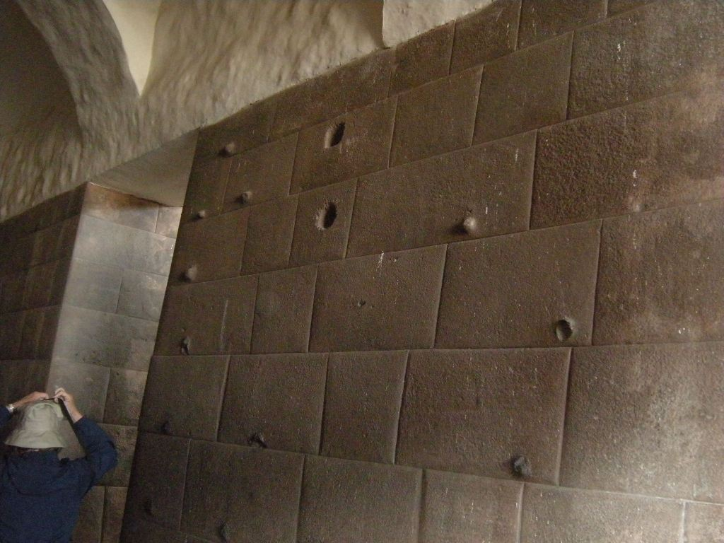 Wall with holes and notches