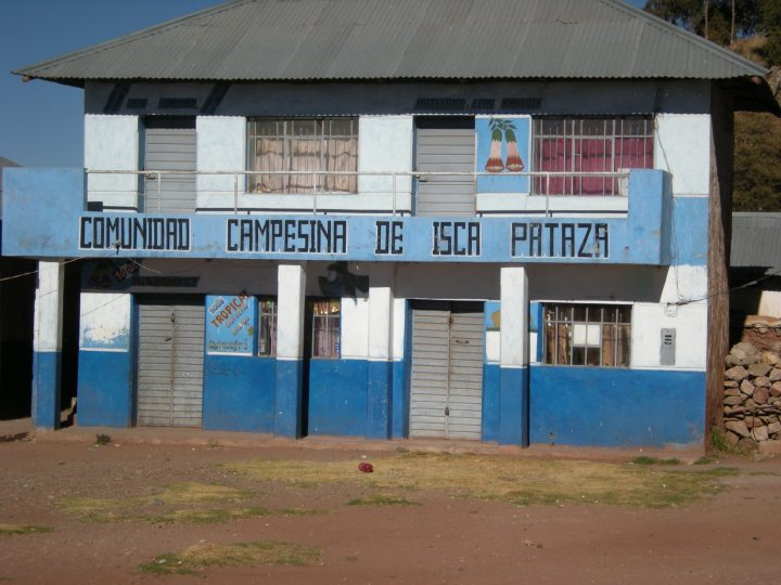Peasant community of Isca Pataza, the sign says. This is their main community building.