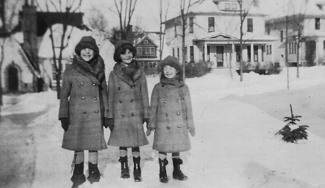 """L-R: Margaret (my mother). with her sisters Julia & Mary ( """"Honey"""") - early 1930s"""