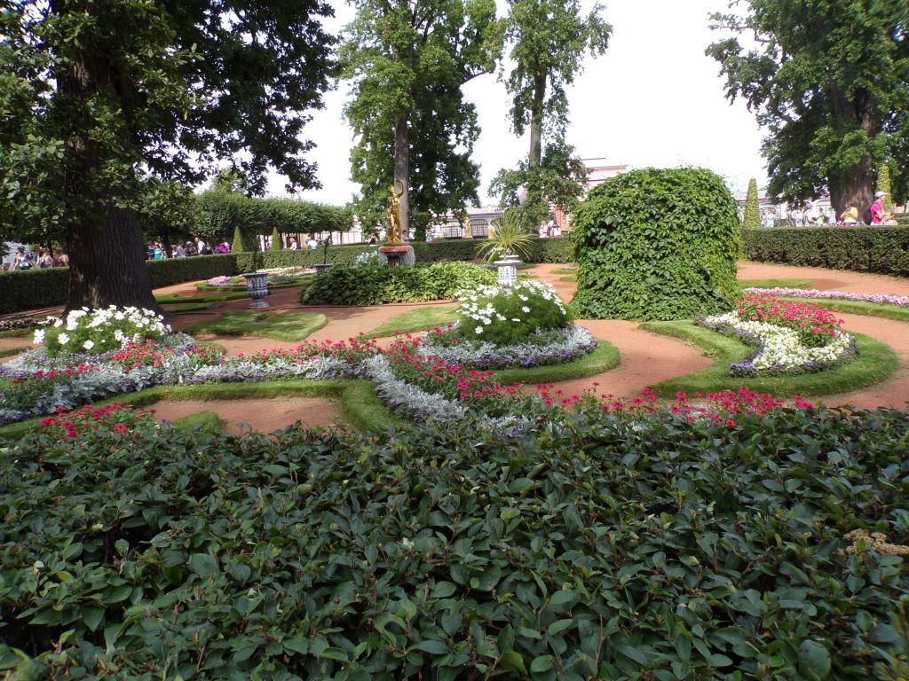 Near Monplaisir Palace