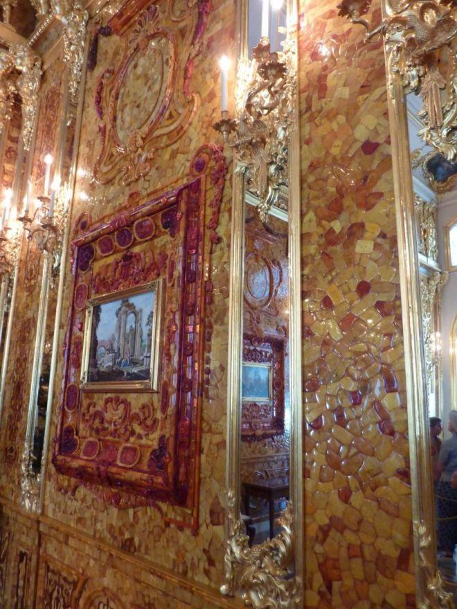 amber room wall