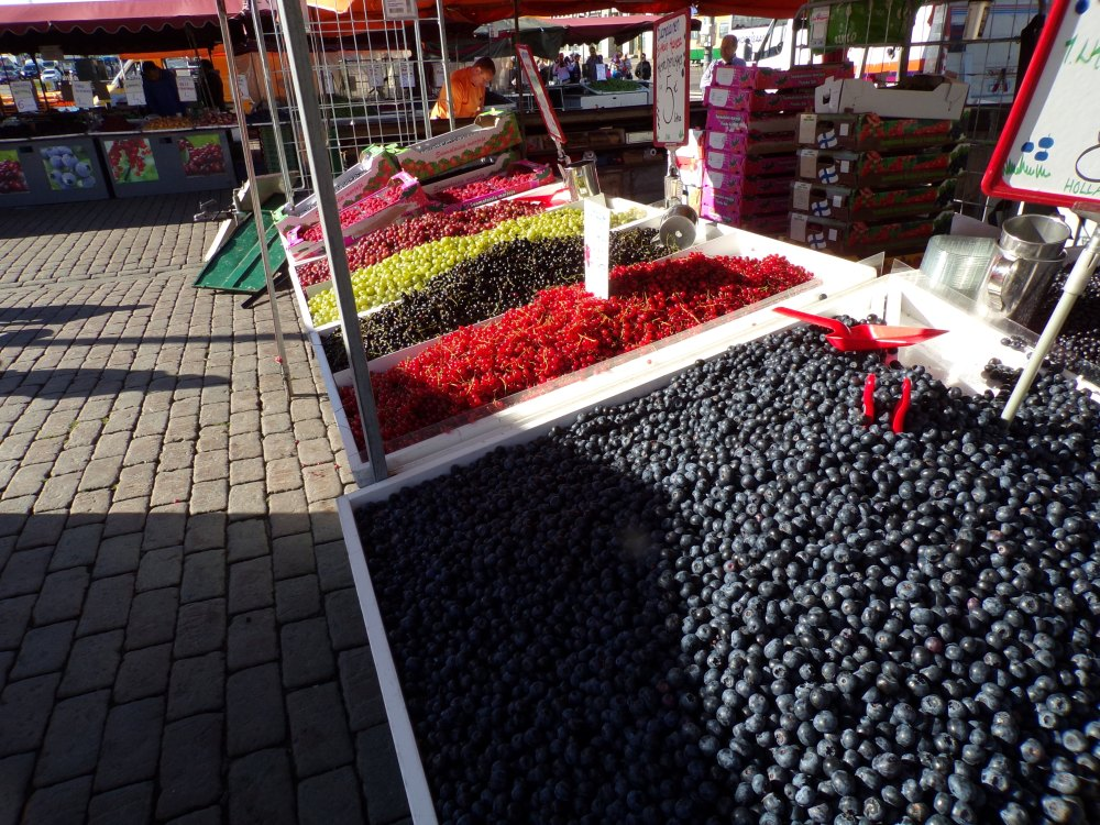Berries in the market