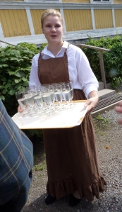 This girl brought us elderflower juice - light and refreshing!