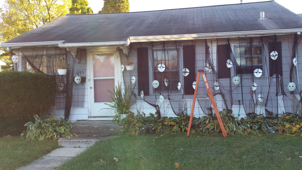 This is probably the weirdest, or most original, Halloween display I've seen!