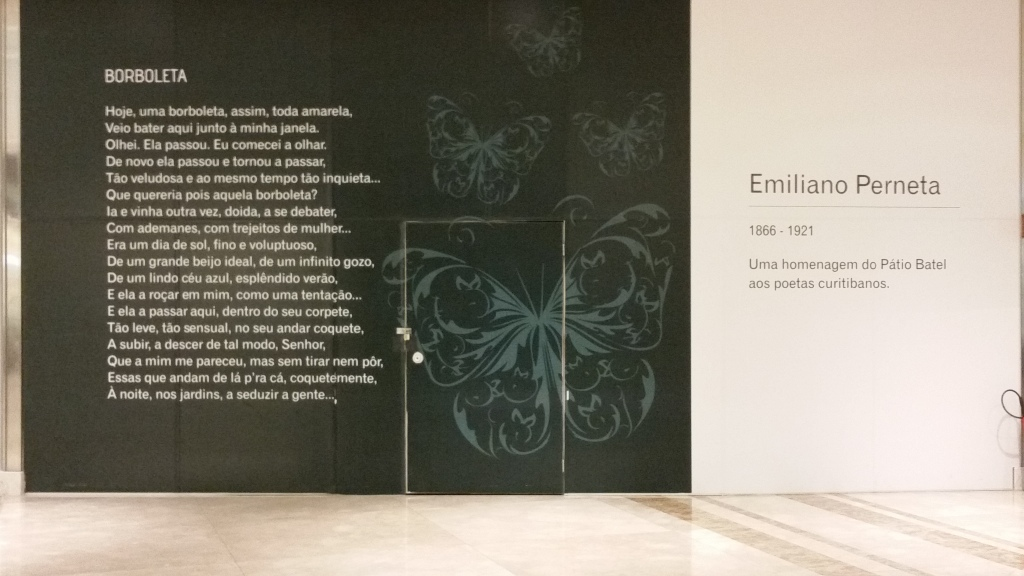The unused walls of the mall are covered with poetry by Curitiban poets.