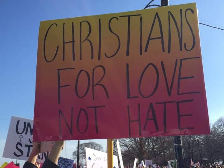 sandys-pic-christians-sign
