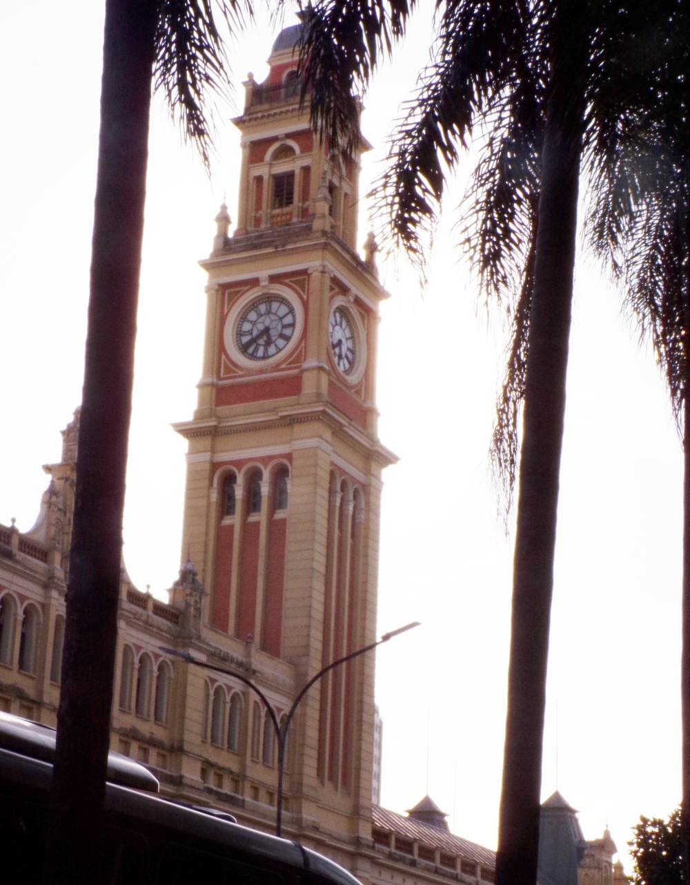 Clock tower at Luz station