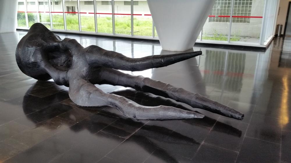 Angelo Venosa, Untitled 1987; fiberglass