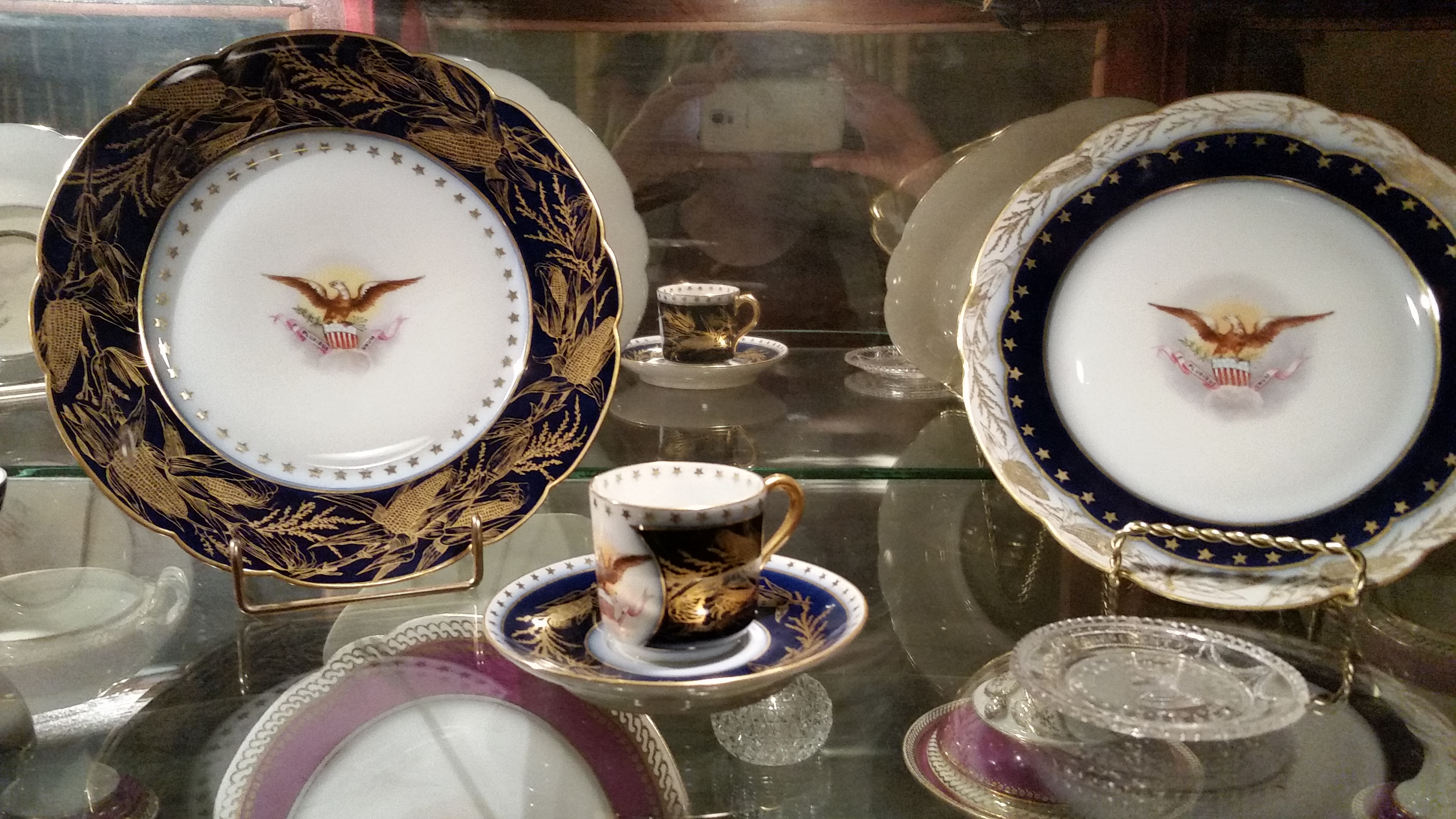 Official presidential dishware