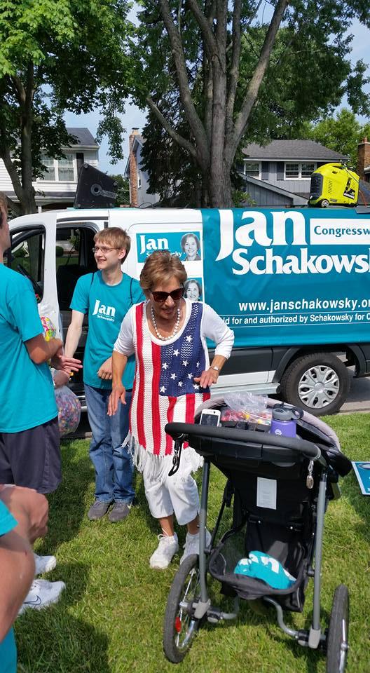 Jan Schakowsky at AH July 4 parade