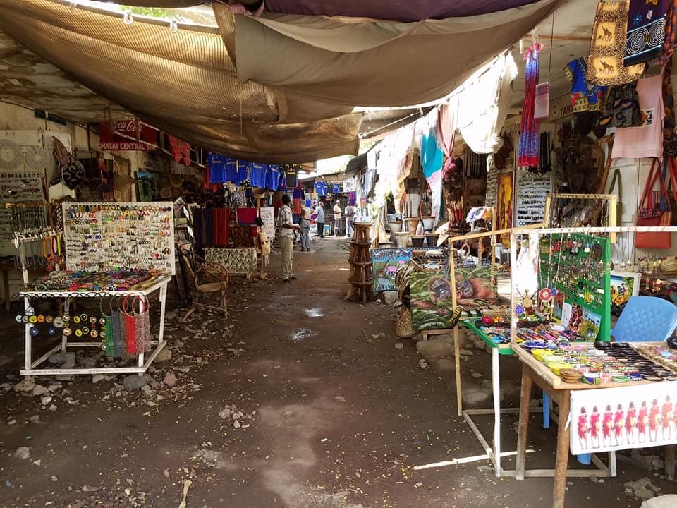 2-6 market outside Arusha