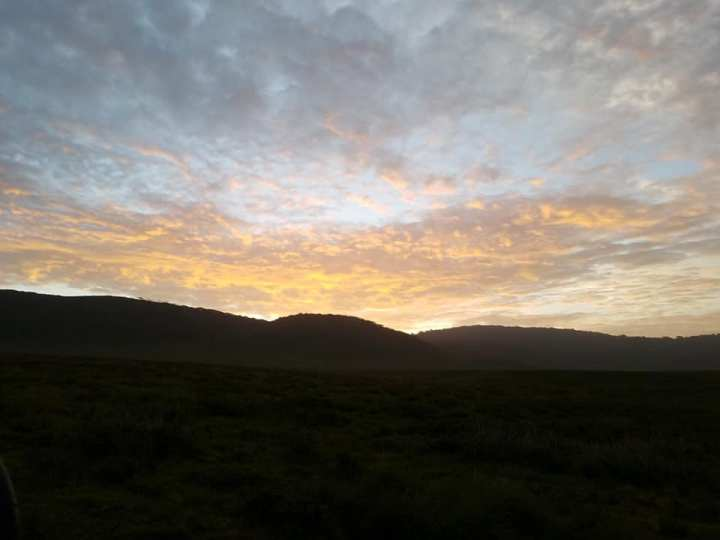 2-7 sunrise-Ngorongoro