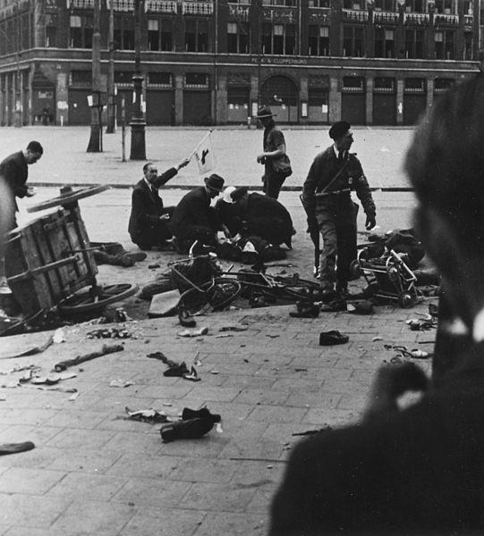 Amsterdam_shooting,_May_7_1945[1]
