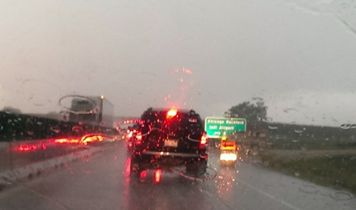 Rain on I-90, approaching Rockford (going north/west)