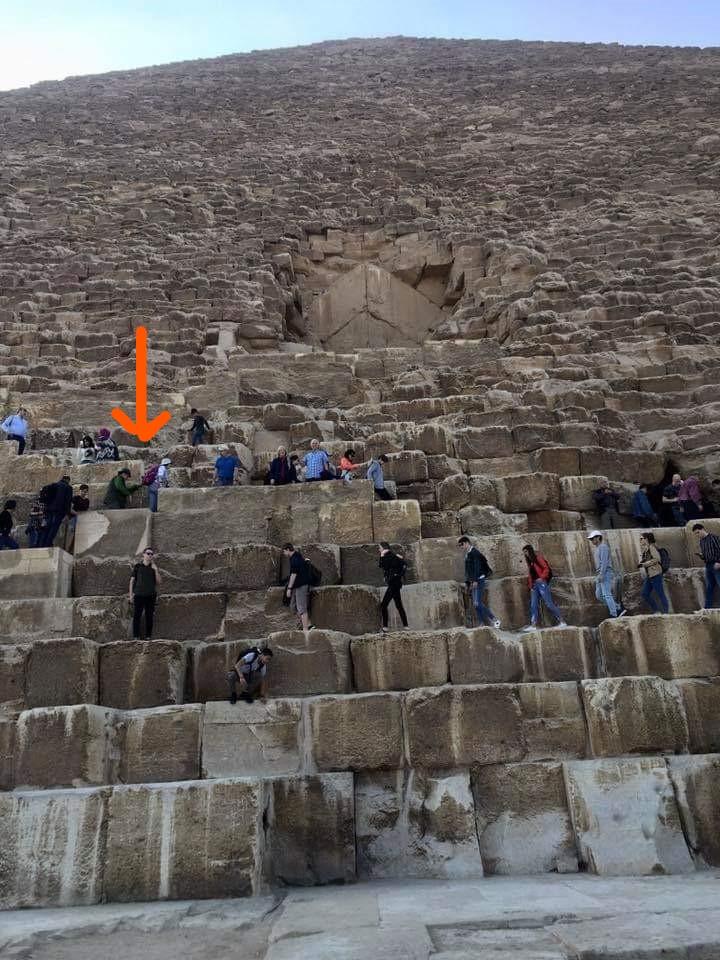 M&M on Great Pyramid (2)_LI
