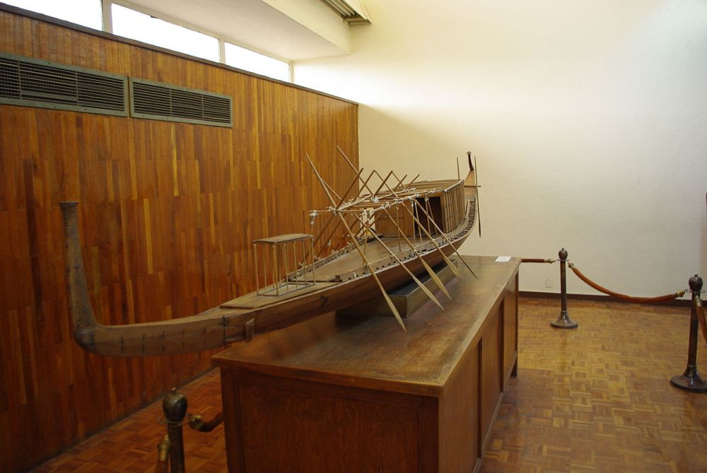 Model_of_Khufu's_solar_barque