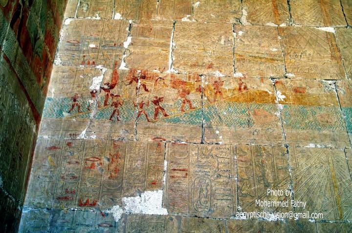 Hatshepsut (299)-3rd terrace barques