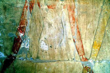 Hatshepsut (378) holding hands