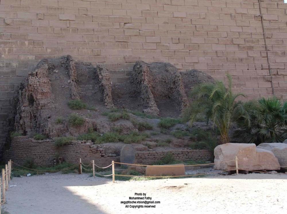 Karnak scaffolding 1st pylon