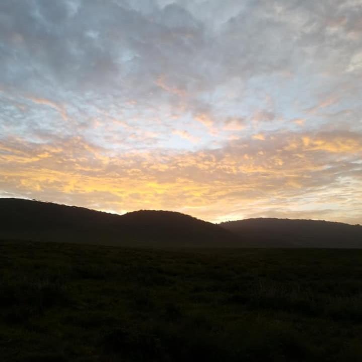 2-7 sunrise-Ngorongoro (2)