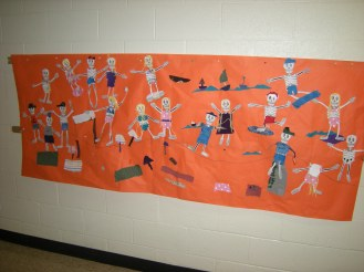 This class had their skeletons go to the beach!